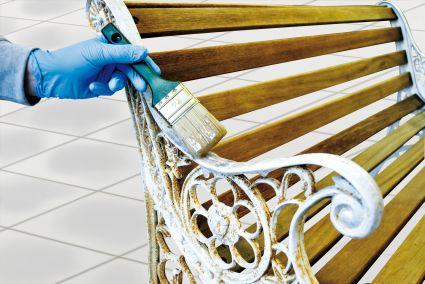 clou aus liebe zum holz clou diy expertentipps lackschichten entfernen. Black Bedroom Furniture Sets. Home Design Ideas